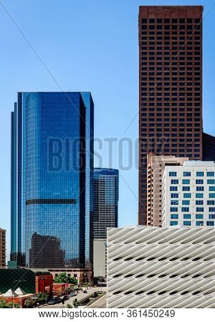 Los Angeles, Ca / Usa - July 26, 2015: The South Grand Ave Skyline With Lot Of Towers On Both Sides.