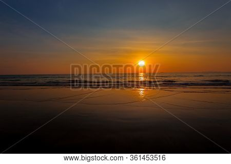 Beautiful Sunset Baltic Sea. Painting Sea Sunset. The Sea At Sunset. Amazing Sea Sunset. Sunset Sea