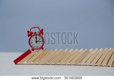 Red Alarm-clock On Wooden Blocks In Line, Copy Space. Time Passing. Business Deadline, Time-limit. R