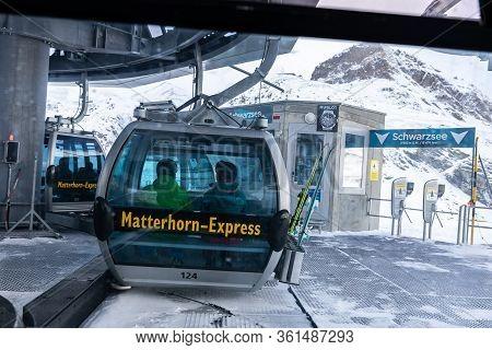 Zermatt, Switzerland - November 11, 2019: Tourists On Matterhorn Express Cable Car Waiting For Traff