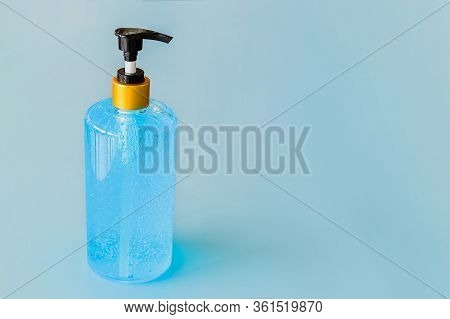 Alcohol Hand Clean Gel Bottle Pump For Hand Sanitizer In Public Park For Stop Pandemic Coronavirus B