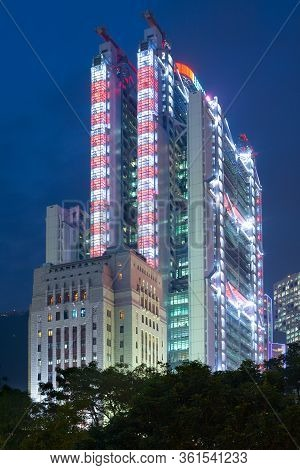 Hong Kong, Admiralty, China - December 03, 2008: Hsbc Building Designed By Architect Norman Foster A