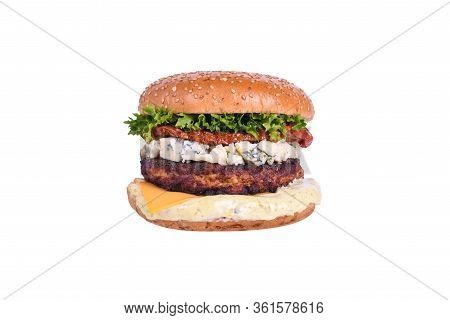 Fresh Burger With Chicken Cutlet, Dorblu Cheese, Sun-dried Tomato, Cheddar Cheese, Lettuce Mix, Dorb