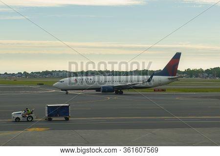 Boston - May 28, 2017: Delta Air Lines Boeing B737-800 Taxiing At Boston Logan International Airport