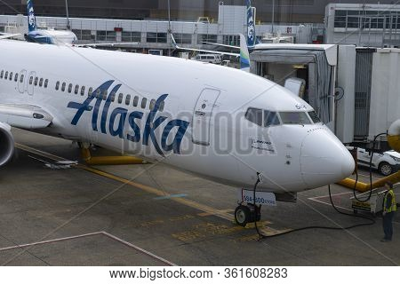 Seattle, Usa - Sep. 13, 2019: Alaska Airlines Boeing B737-800 N584as At Seattle Tacoma International