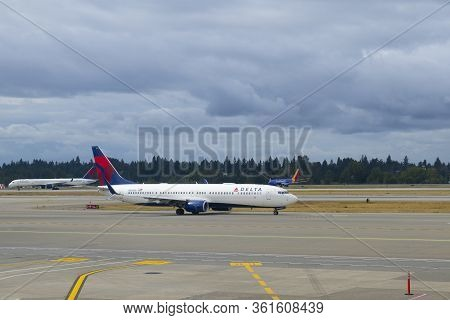 Seattle, Usa - Sep. 13, 2019: Delta Air Lines Boeing B737-900er N892dn At Seattle Tacoma Internation