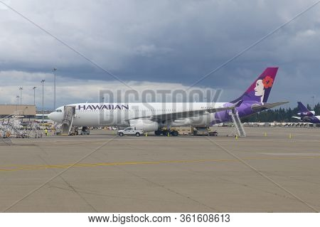 Seattle, Usa - Sep. 13, 2019: Hawaiian Airlines Airbus A330 N370ha At Seattle Tacoma International A