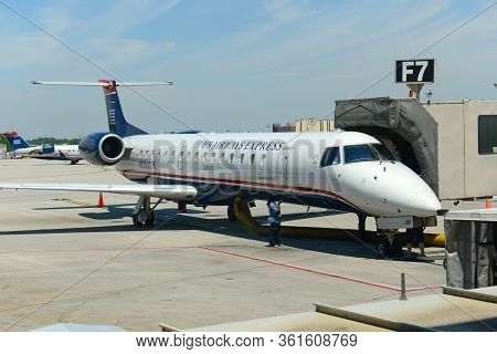 Philadelphia, Usa - May 31, 2013: Former Us Airways Express Embraer Erj Embraer Regional Jet 145 Lr