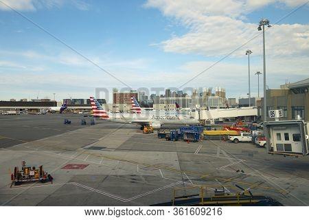 Boston, Usa - Jun. 15, 2019: American Airlines Embraer E190 N947uw At Boston Logan International Air