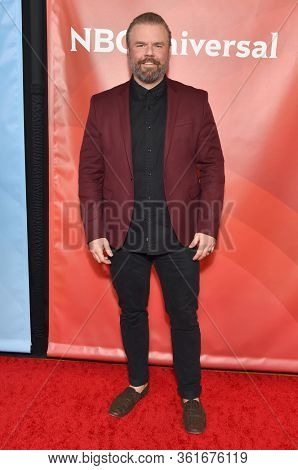 LOS ANGELES - JAN 11:  Tyler Labine on the red carpet at the NBCUniversal Winter TCA 2020 on January 11, 2020 in Pasadena, CA