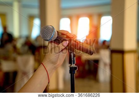 Microphone On Stage. Microphone Close-up. Microphone. A Pub. Bar. A Restaurant. Classical. Evening.