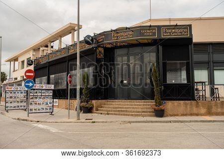 Torrevieja, Valenciana, Spain - Apr 17 2020 : Bar, Shop Or Restaurant Closed For Business During Cov