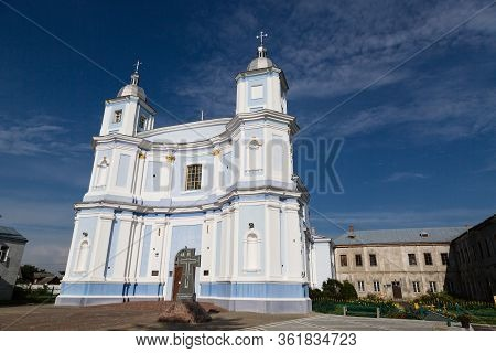 Assumption Cathedral In Volodymyr-volynskyi City At Sunny Day, Ukraine