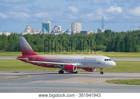 Saint Petersburg, Russia - June 20, 2018: Airbus A320-214 (vp-bwh) Of The Rossiya Airlines On The Ta