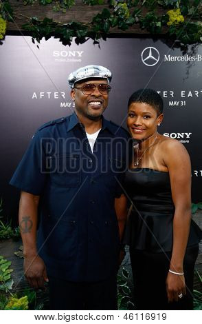 NEW YORK - MAY 29: DJ Jazzy Jeff and Lynette Jackson attend the premiere of