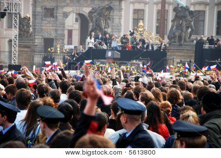 Crowd in Prague waiting for Barack Obama speech