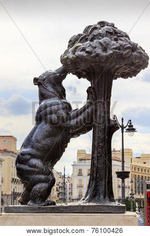 Bear And Mulberry Tree El Oso Y El Madrono Statue Symbol Of Madrid Puerta Del Sol Spain