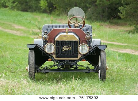 Retro Car Ford T Model 1908