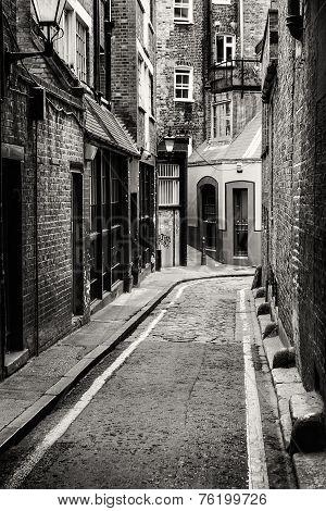 Passage In Whitechapel