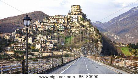 Castel di Tora - beautiful medieval village in lake. Rieti provi