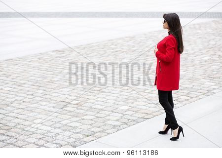 Femme On The Way To Her Date