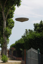 Real-Looking Ufo