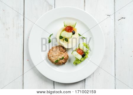 mashed potato with cutlet