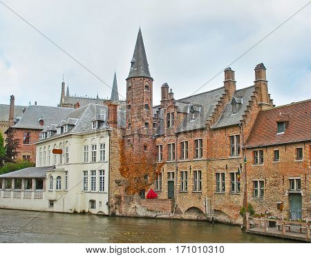 The Mansions Of Old Bruges