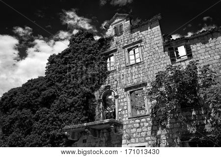 derelict stone house in Risan, Montenegro (black-white)