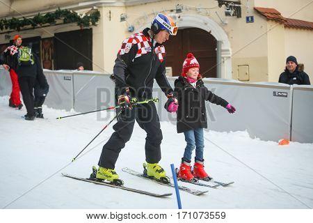 Ivica Kostelic Teaching Girl To Ski