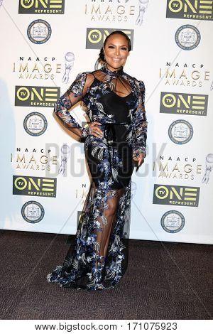 LOS ANGELES - FEB 10:  Lynn Whitfield at the Non-Televisied 48th NAACP Image Awards at Pasadena Conference Center on February 10, 2017 in Pasadena, CA