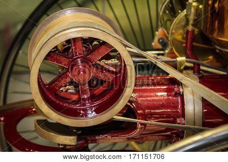 belt drive of an oldtimer, automobile, technology, oldtimer