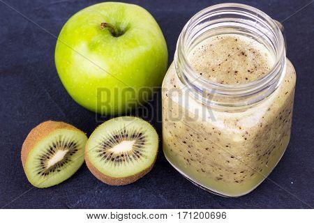 Kiwi And Apple Smoothie