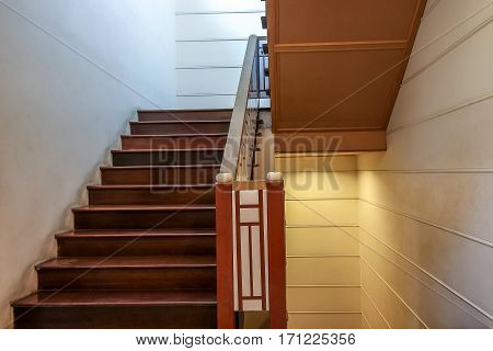 Up And Down Luxury Stairway Made Of Wood Style