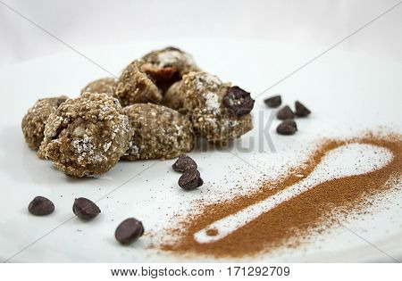 Oatmeal cookies with chocolate chips with cinnamon