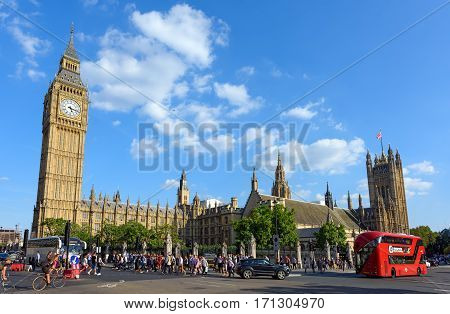 LONDON/ ENGLAND - AUGUST 30.The Palace of Westminster with the clock tower Big Ben on August 30, 2016. London, England.