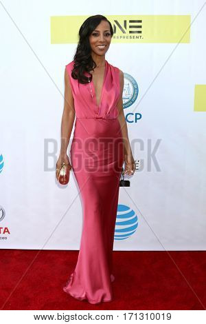 LOS ANGELES - FEB 11:  Shaun Robinson at the 48th NAACP Image Awards Arrivals at Pasadena Conference Center on February 11, 2017 in Pasadena, CA