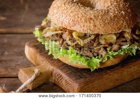 Bagel With Stew And Fried Onion