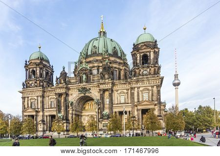 People Enjoy Sunny Summer Day Near Berlin Cathedral - Berliner Dom