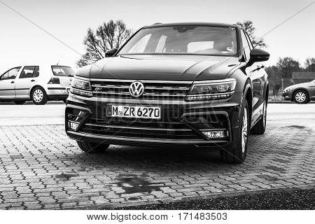 Volkswagen Tiguan, 4X4 R-line Model 2017