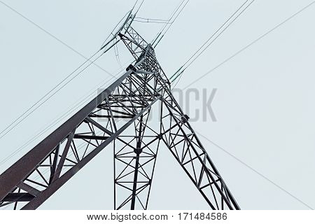 Reliance Electric transmission line from below close-up
