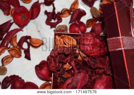 Red scented Valentine's potpourri in a gift box