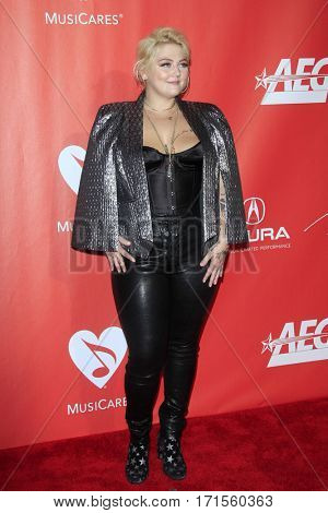 LOS ANGELES - FEB 10:  Elle King at the Musicares Person of the Year honoring Tom Petty at Los Angeles Convention Center on February 10, 2017 in Los Angeles, CA