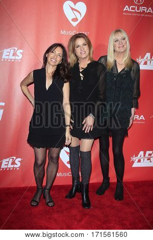 LOS ANGELES - FEB 10:  Susanna Hoffs, Vicki Peterson, Debbi Peterson at the Musicares Person of the Year honoring Tom Petty at Los Angeles Convention Center on February 10, 2017 in Los Angeles, CA