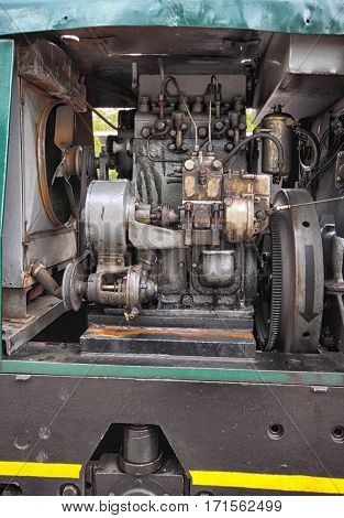 Small shunter engine with cooler and head of cylinders