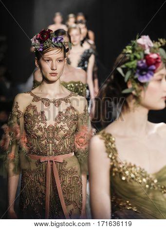 New York Fashion Week Fw 2017 - Marchesa Collection