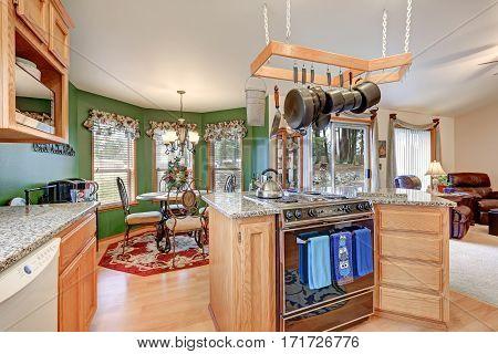 Bright Colorful Rambler Kitchen Room Design