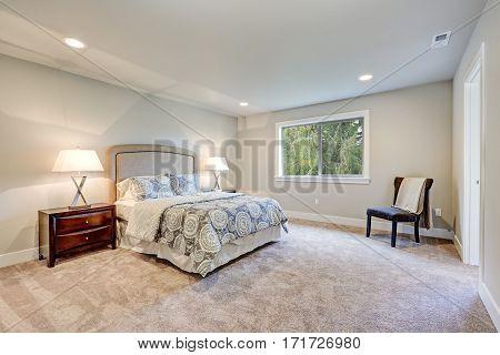 Elegant Light Filled Master Bedroom With Queen Bed
