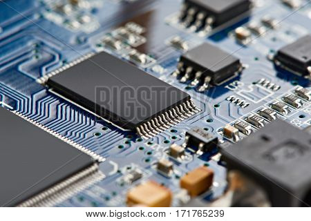 Elements Of Microcircuit