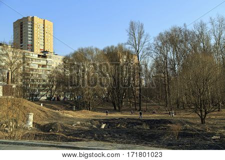 Park area along the river Pekhorka in the early spring. City Balashikha, Moscow region, Russia.